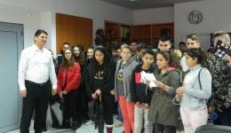 Έψαλαν τα κάλαντα στο Δήμαρχο Μεσσήνης οι μαθητές της Γ΄Τάξης και η χορωδία του 1ου Γυμνασίου Μεσσήνης